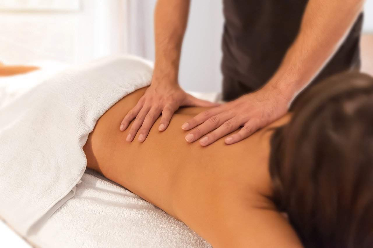 What Does a Massage Therapist Do